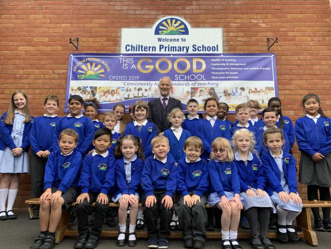 Phil Clarke with pupils at Chiltern Primary School