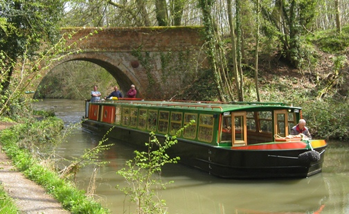 Public cruises on the Basingstoke Canal from Odiham