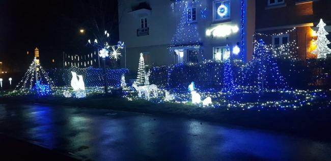 The festive homes light the roads and share the seasonal spirit