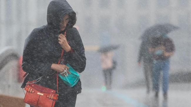 Thunderstorms and heavy rain to batter UK over weekend