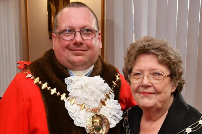 Former mayors Jane and Paul Frankum will be stepping down as councillors in the Popley West ward after Paul was deselected by the Labour party