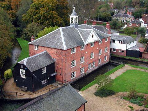 Whitchurch Silk Mill to resume weaving