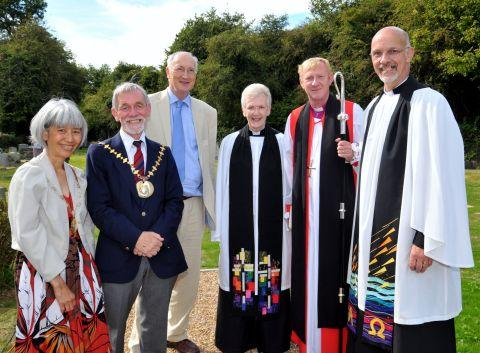 (From left) Mayoress Chansopha, and Mayor Martin Biermann, with Sir George Young, assistant minister Carol Vaughan, The Rt Rev Peter Hancock, and Rev Jeremy Vaughan