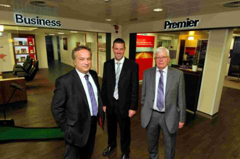 L-R: HSBC's Andy Brattesani and Andy Wood with guest speaker Mike Loftus from Destination Basingstoke
