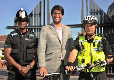 PC Dumisani Sikhosana, Councillor Ranil Jayawardena and PC Ian Castle