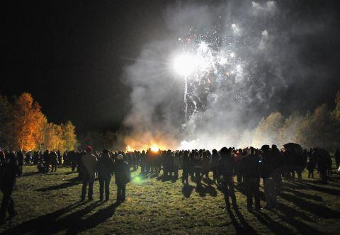 Ambulance service urges residents to stay safe on Bonfire Night