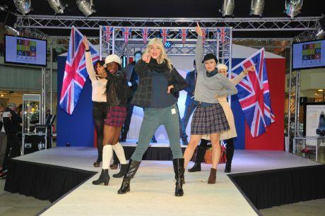 Shoppers get top fashion tips at catwalk show