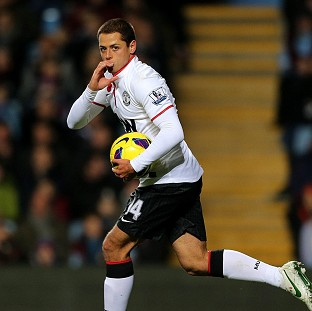 Javier Hernandez scored a brace as Manchester United fought back to win