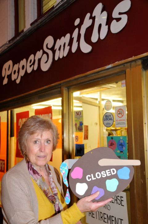 Maree Smith prepares to close her arts and crafts store after 40 years