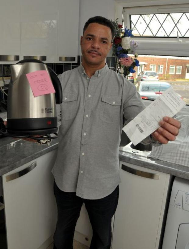 Lincoln Bachelor with the faulty kettle he bought from Comet