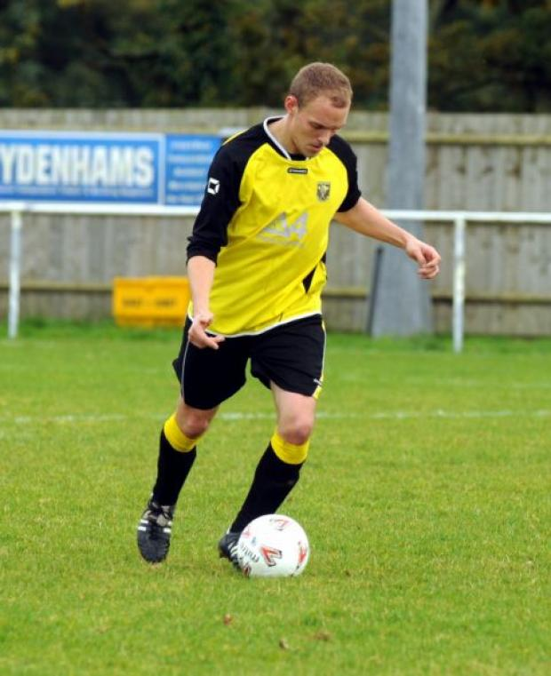 Jason Kingstone scored for Tadley in their 1-1 draw with Whitchurch United.
