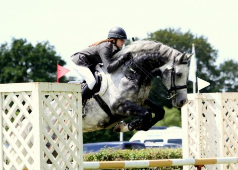 Jordan Marshall in showjumping actio