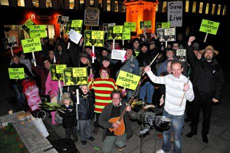 Campaigners protesting against scrapping Basingstoke Live