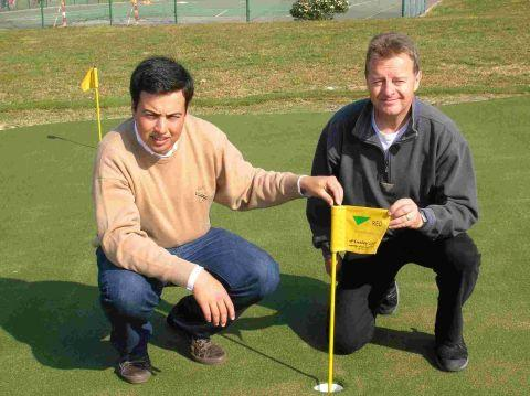 Miguel Bastos, RED management assistant (left), with Richard White (right), Huxley Golf installation manager