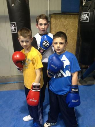 Tadley boxers Paul James, Jimmy Wall and Tommy James.