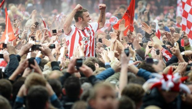 The 10 funniest football chants of the last decade