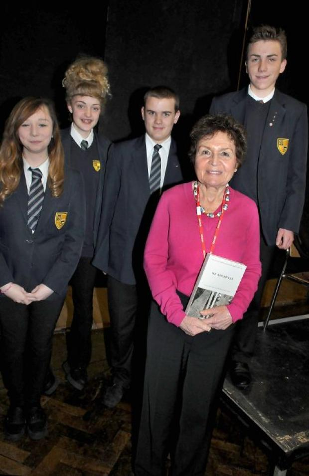Holocaust survivor Janine Webber with Testbourne pupils Sarah Price, Livvy Anning, Ben Sutton, and Oliver Bowie