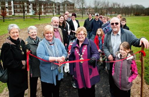 Mayor opens new footpath
