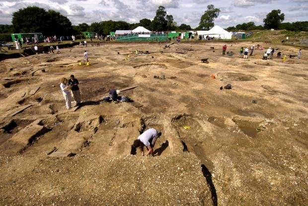 Basingstoke Gazette: Archaeologists at work on a previous Silchester dig