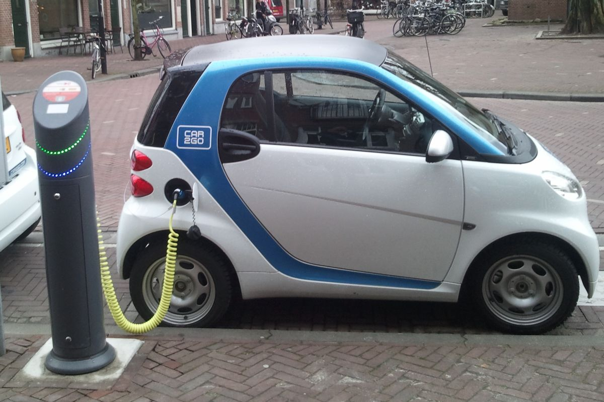 Green light for electric car charging point in Basingstoke