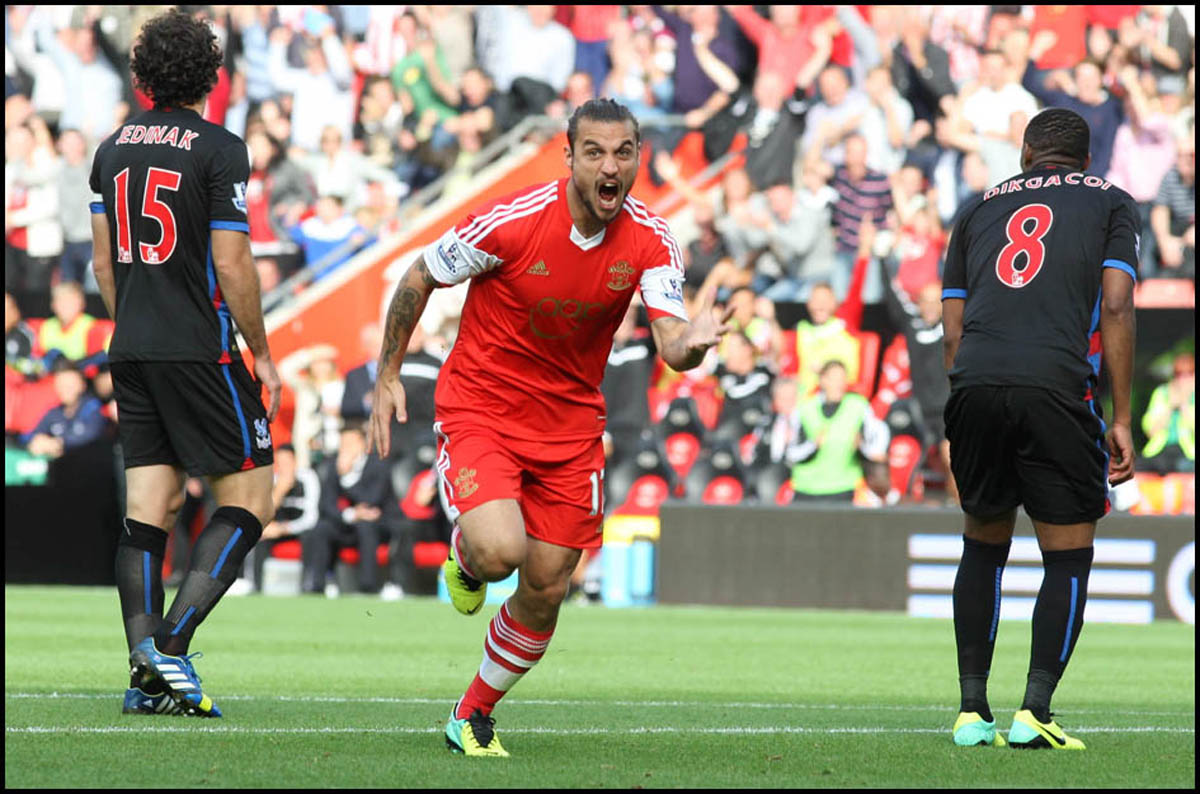 Osvaldo scores for Saints against Crystal Palace