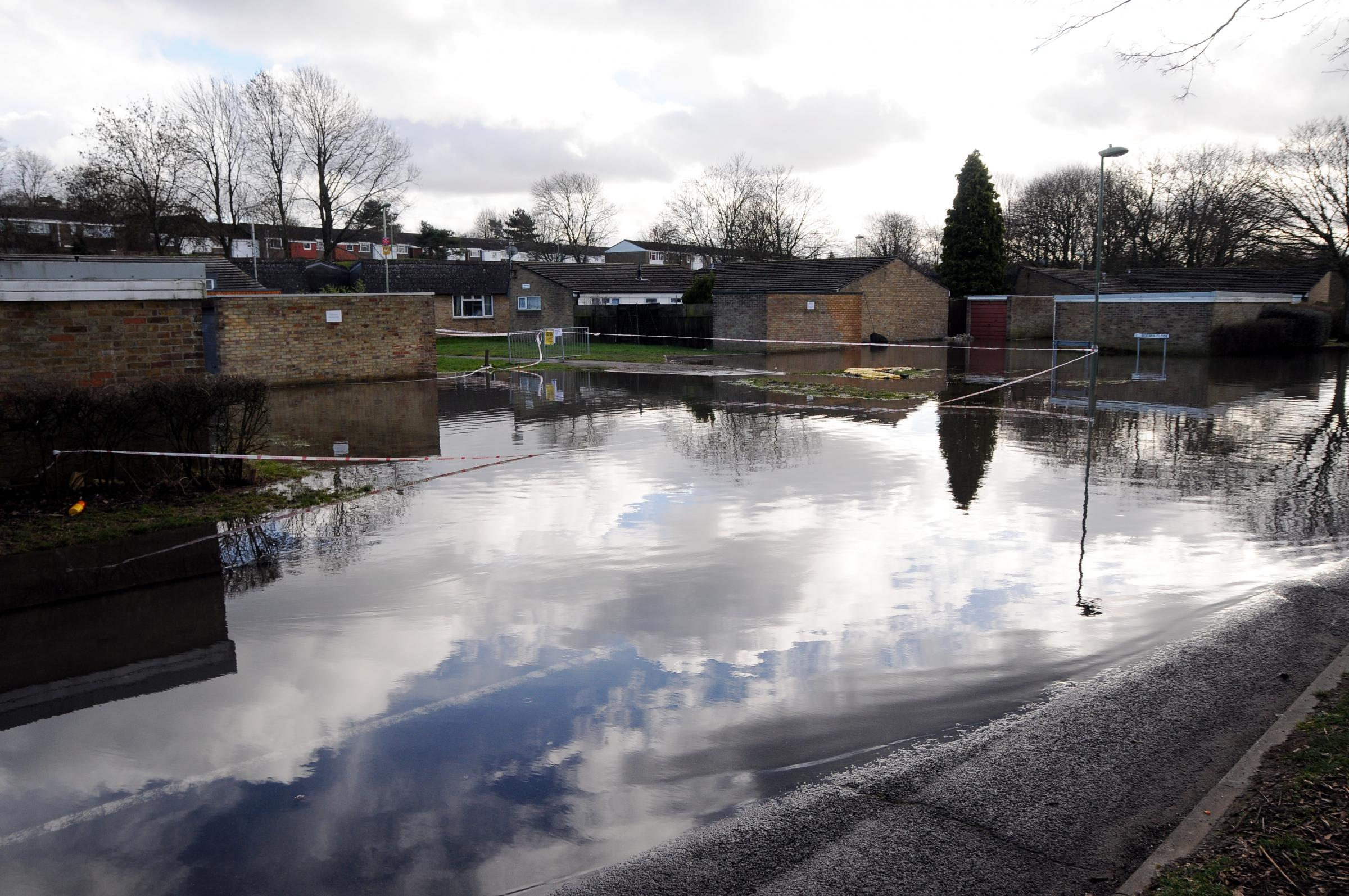 Buckskin residents evacuated to emergency rest centre in Hatch Warren as floodwater rises