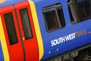 Mainline trains to get free WiFi