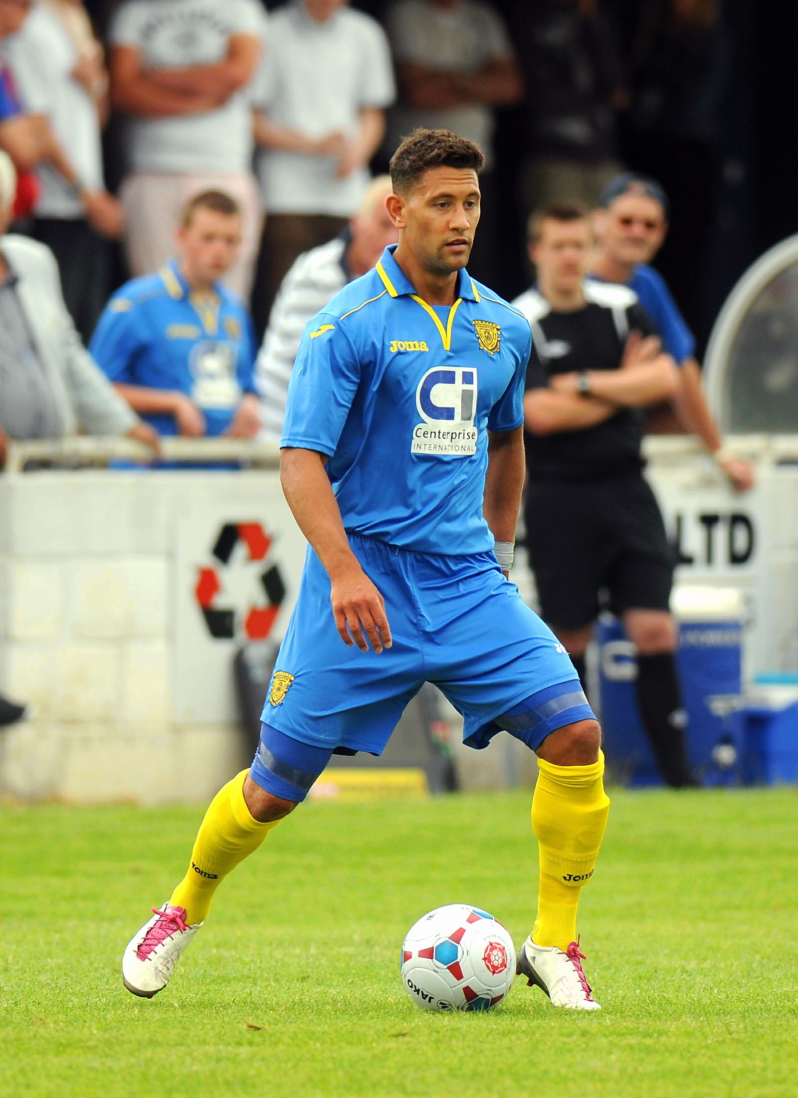 Nathan Smart's fine strike earned Basingstoke Town three vital points in Somerset on Saturday.