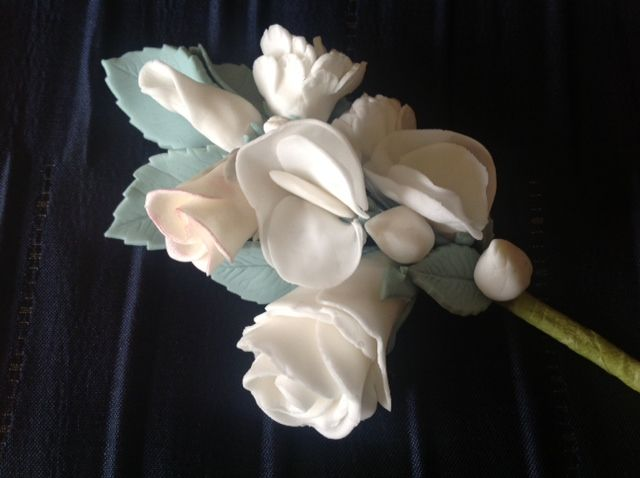 Cake Decorating and Sugarpaste Flowers for Improvers