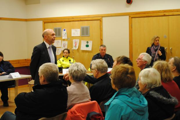 Basingstoke and Deane Borough Council chief executive Tony Curtis talks to Buckskin residents