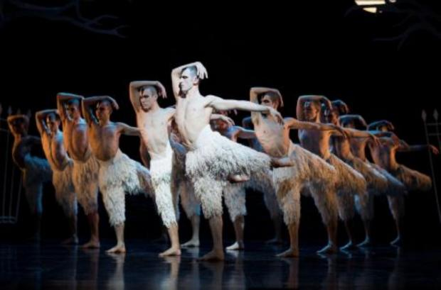 REVIEW- Matthew Bourne's Swan Lake, the Mayflower Theatre