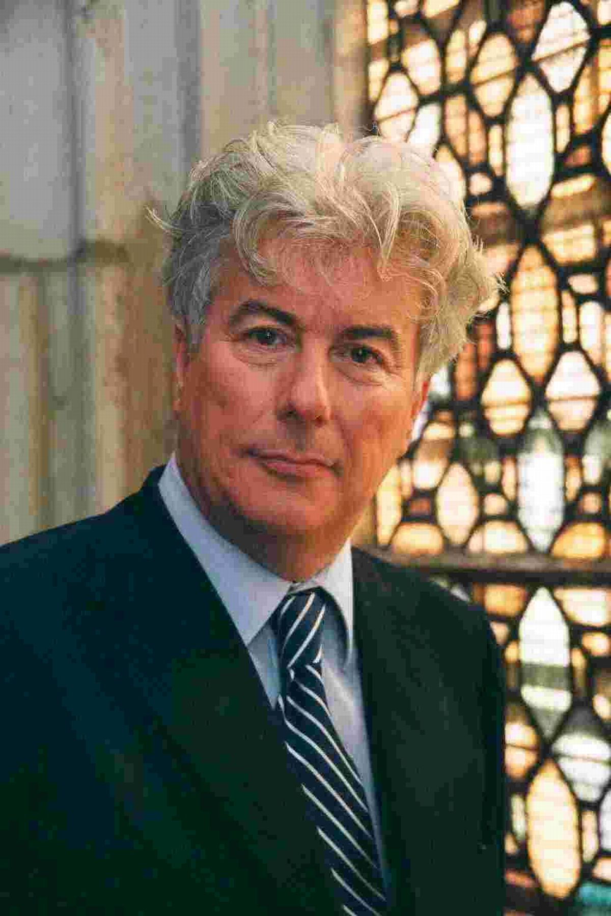 Marking the 25th anniversary of one of his most talked-about books, The Pillars of the Earth, Ken Follett gave a talk at Winchester cathedral on Tuesday (April 1)
