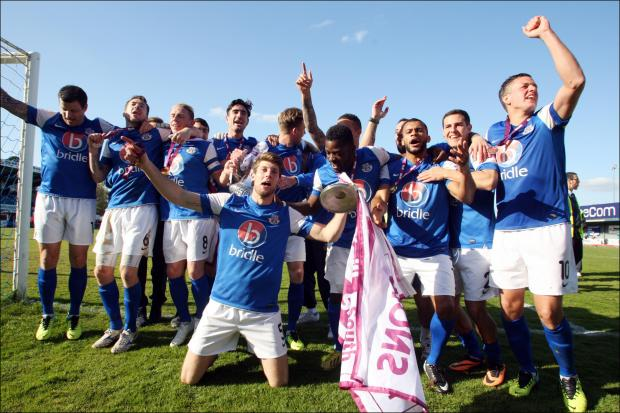 Picture Gallery of Eastleigh Winning the Championship