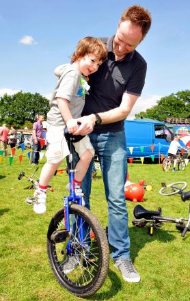 Flynn Vickery, three, with dad Stuart Vickery at the Tadley Treacle Fair