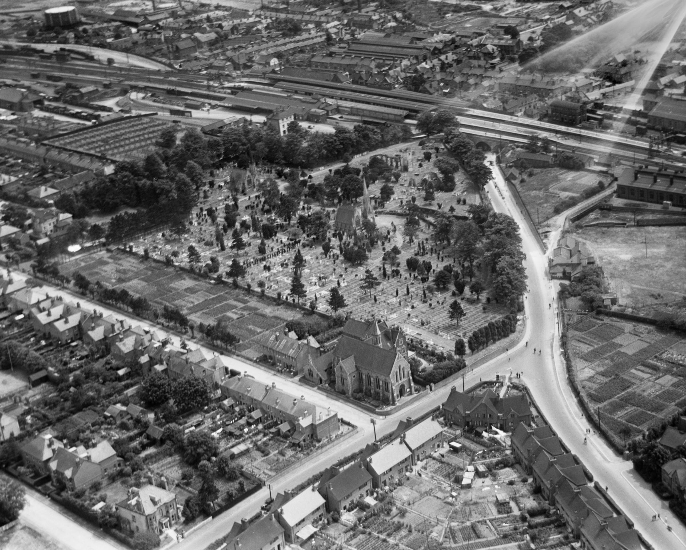 An aerial photo taken over Basingstoke in 1930 - but where does it show?