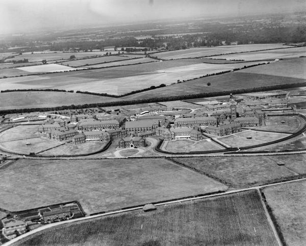 Basingstoke from above - aerial photo shows part of town in 1930