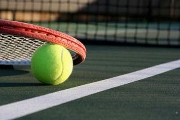 Defending champions close to retaining tennis title