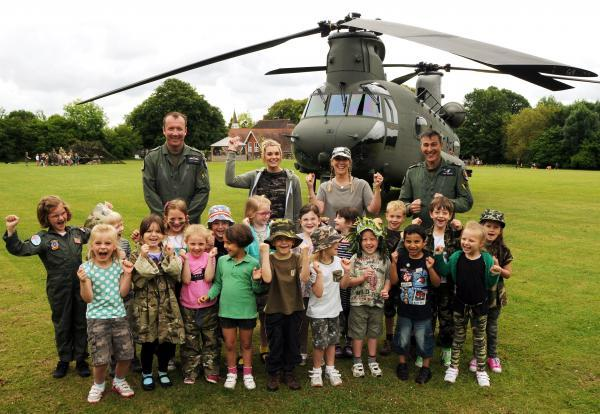 Chinook crew from RAF Odiham land at infant school
