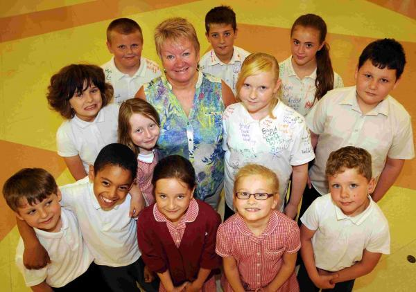 Pupils bid farewell to Lynn Clement