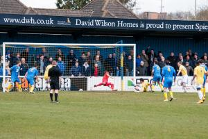 REPORT AND PLAYER RATINGS - Basingstoke Town 2-4 Wealdstone