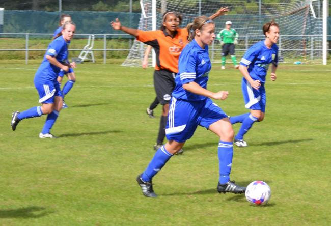 Basingstoke Ladies take on Mansfield Road in their new kit