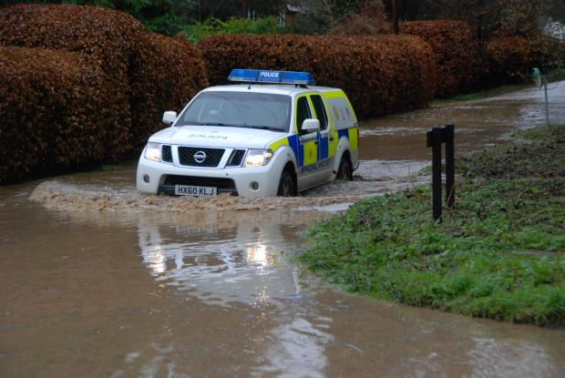 Basingstoke Gazette: \ellisfielkd flash flood 3rd Jan 2016