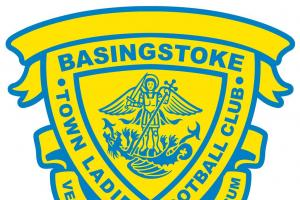 Jasmine Meichle scores on her debut for Basingstoke Town Ladies