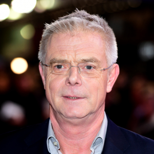 Stephen Daldry wanted surgeons to be used in filming of the scene