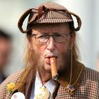 Basingstoke Gazette: You won't believe what John McCririck looked like after he went on 100% Hotter