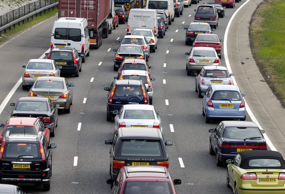 Crash on the M3 causes delays of 45 minutes