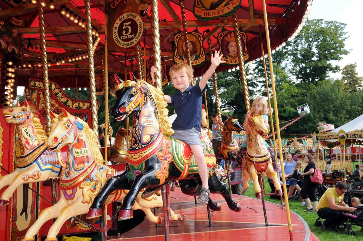 Carters Steam Fair In War Memorial Park Basingstoke Gazette