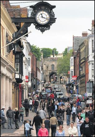 Fox & Sons said the average property price in Winchester reached £218,955