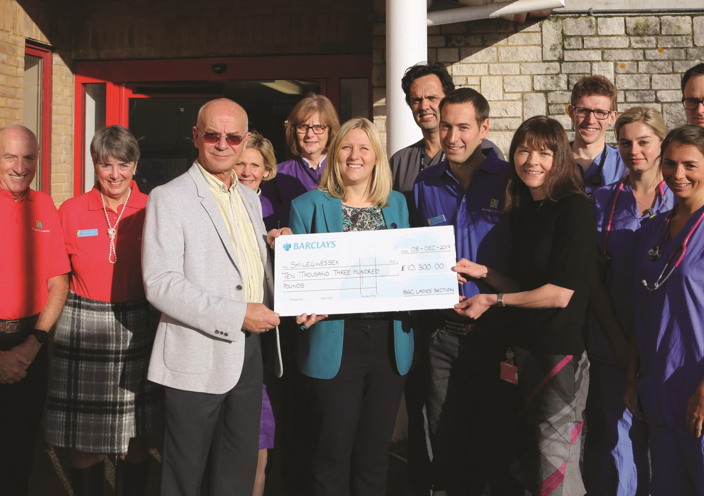basingstoke golf club ladies spreading smiles with fundraising for