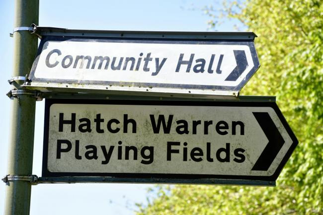 HATCH WARREN, Basingstoke..Hatch Warren playing fields sign.The Portsmouth Arms Pub...Photograph By: Sean Dillow..www.TheBigCheesePhotography.co.uk.